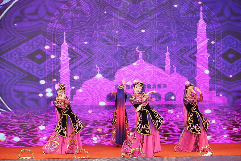 高峰会节目回族歌舞